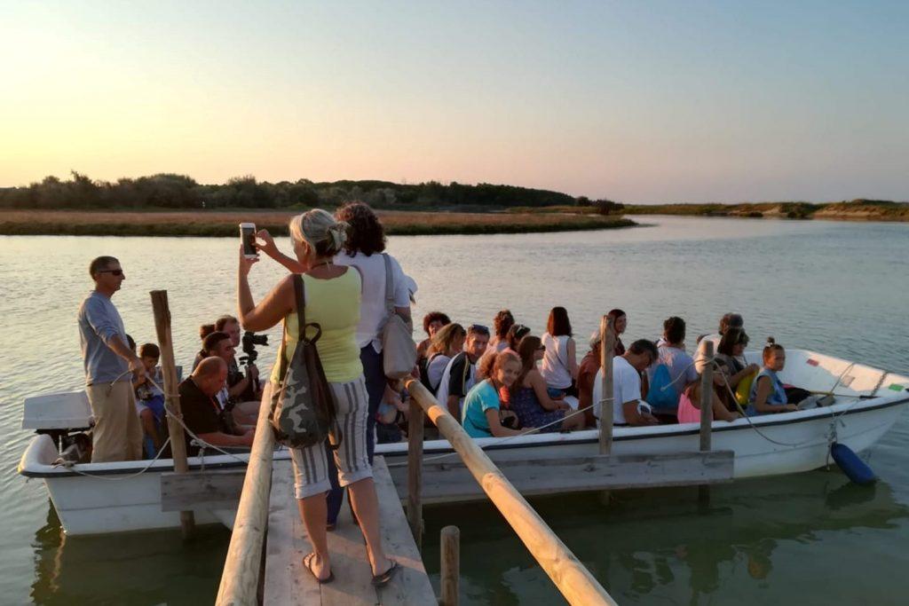 Escursione in barca al tramonto in Bevanella