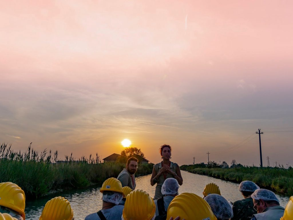 Escursione in barca al tramonto alla Salina di Cervia